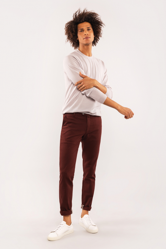 Bruno: 1m87, size 40